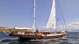 crewed sailing greece