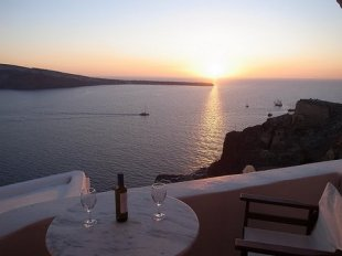 Dining al fresco in Santorini, Greece