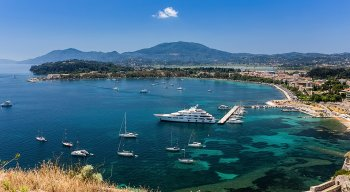 Luxury Motor Yacht Charter in Greece